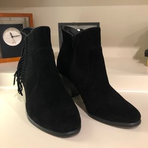 """G.H. Bass & Co. Eve Leather 2.5"""" Heel Ankle Boots"""